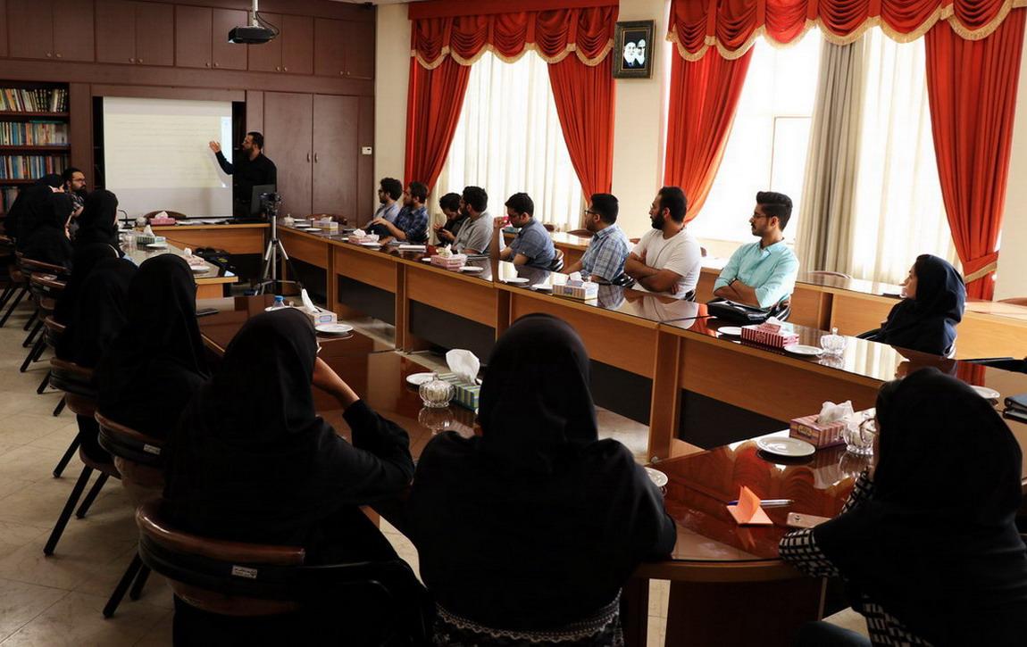 اولین جلسه شورای مسئولین دفاتر
